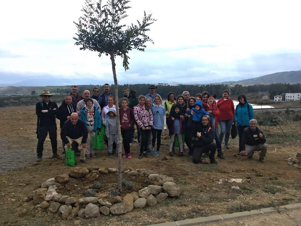 Repoblación participativa y ruta de senderismo en Pizarra